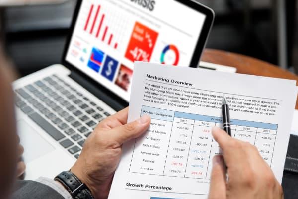 SPSS en statistiek zijn vaak lastig, daar kun je wel wat hulp bij gebruiken.